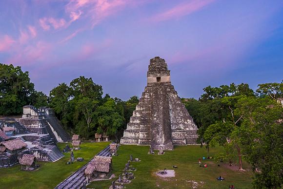 Atardecer en el Gran Jaguar, Tikal por Fabriccio Díaz